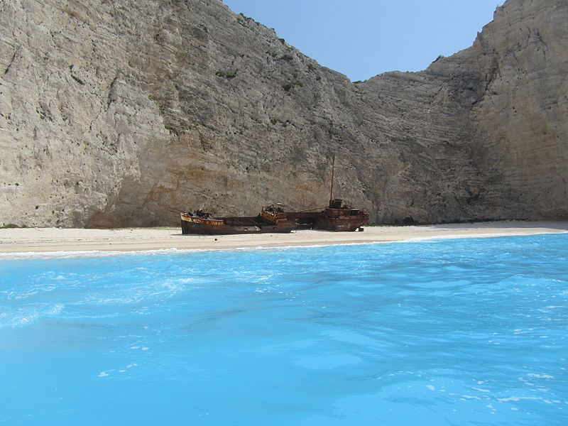 800px-Navagio_Beach_and_Shipwreck_of_the_Panagiotis_at_'Smugglers_Cove'_Zakynthos